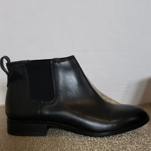 Franco Sarto Pull On Ankle Boot Size 6